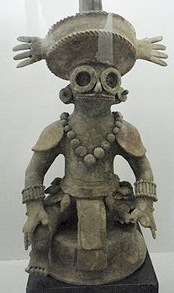 Photo of Yax K'uk Mo figure