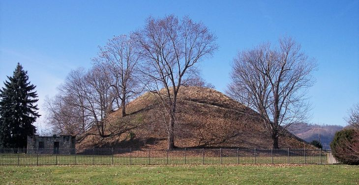 Photo Grave Creek Mound
